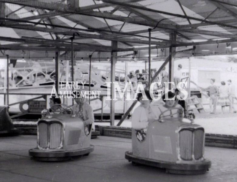media-image-093-dodgems-at-ditchling-fair-in-1960