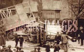 media-image-018-accident-steam-centre-galloping-horses-road-crash-bishop-auckland-county-durham-1907-rp