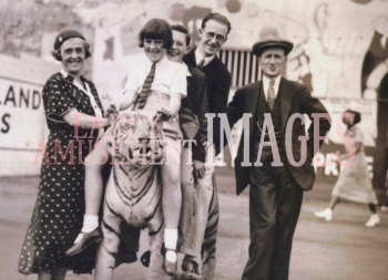 media-image-030-family-portrait-at-dreamland-margate-kent-1939-rp