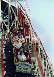 media-image-040-cyclone-coaster-built-1927-coney-island-ny-made-national-u-s-landmark-in-1991-rp1992