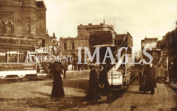media-image-075-street-scene-islington-london-1905-rp