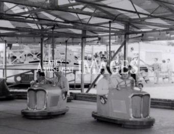 media-image-093-dodgems-at-ditchling-fair-in-1960